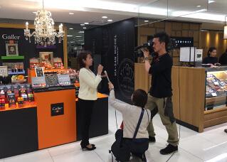 Galler(ガレー)大丸福岡天神店テレビ局の取材を受けた模様の写真です